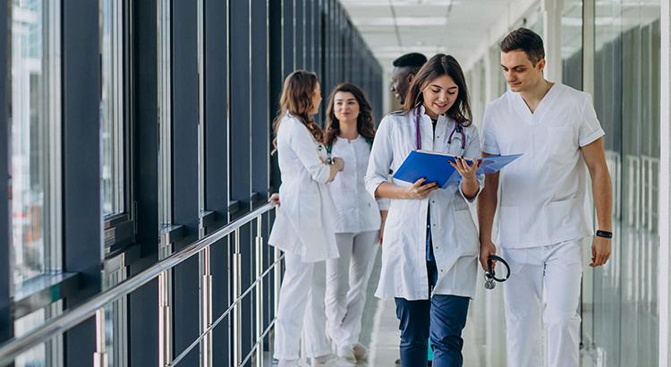 Idade média dos médicos em atividade no Brasil